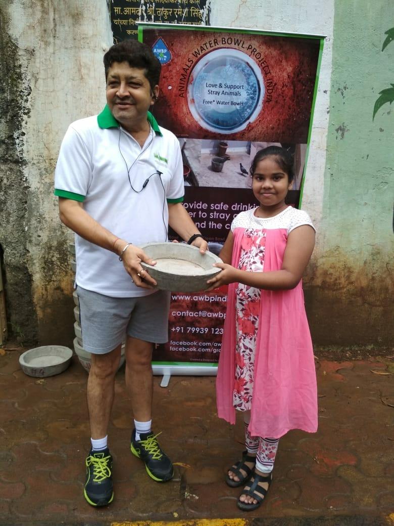 awbp trust water bowl distribution in maharashtra